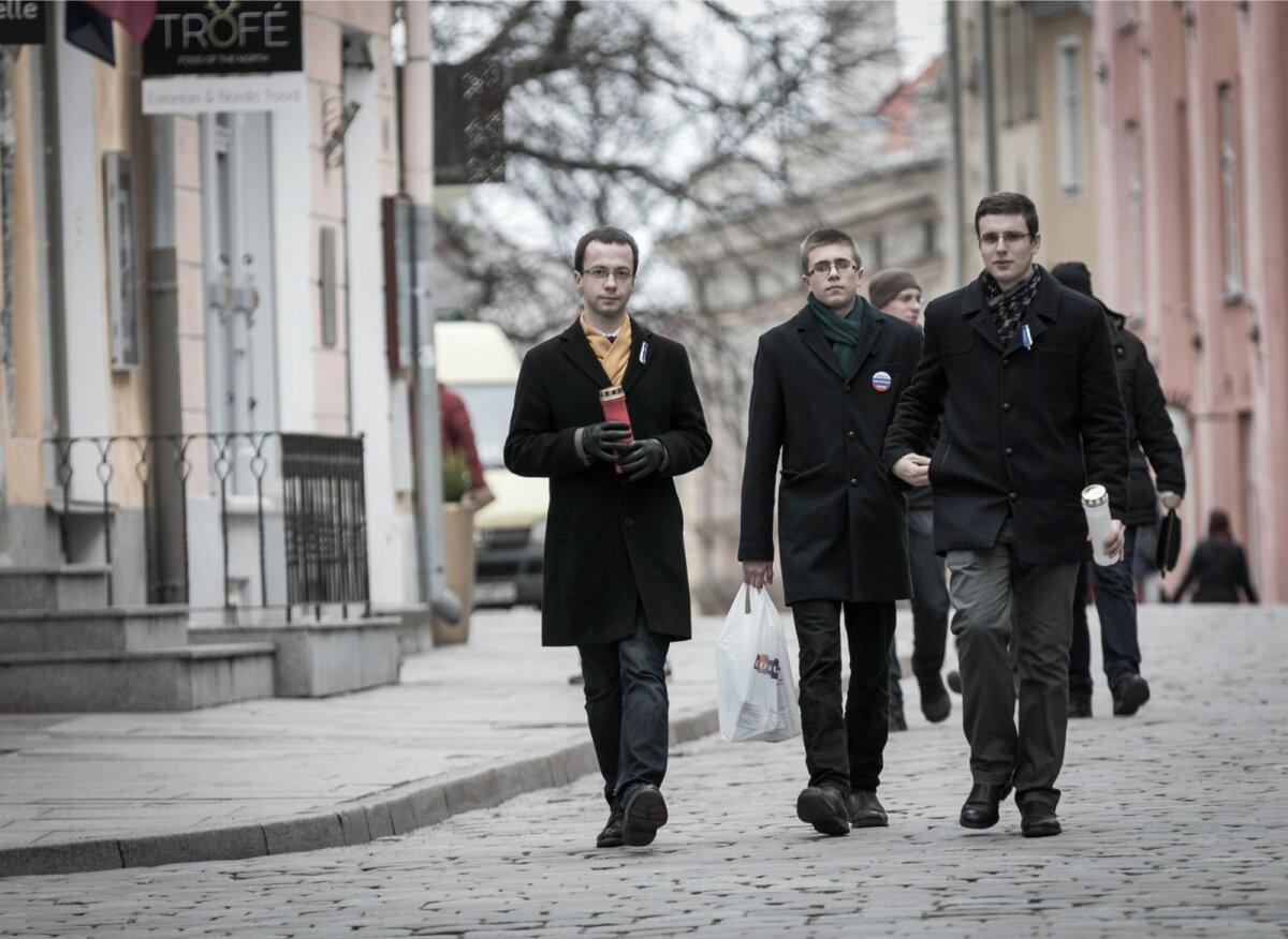 Vene demokraatia sõbrad süütasid täna küünlad Boriss Nemtsovi mälestuseks.