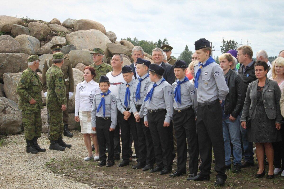 Vabadussõja Jõepere lahingu mälestussamba avamine.