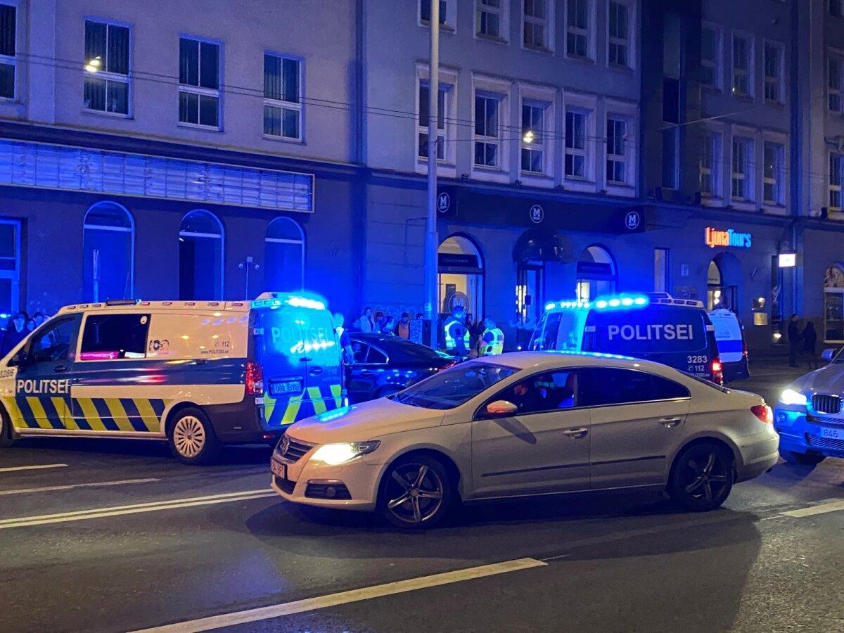 Politseinikud Estonia puiesteel