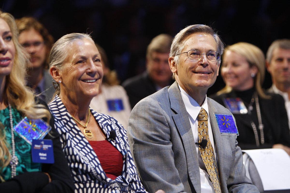USA poeketi Walmarti kaasomanik Alice Walton oma venna Jim Waltoniga