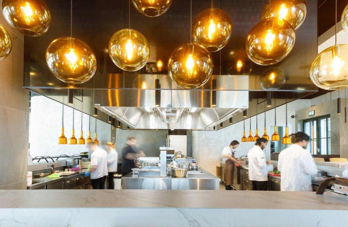 ETS Nordi ventilatsioonisüsteem professionaalses köögis.