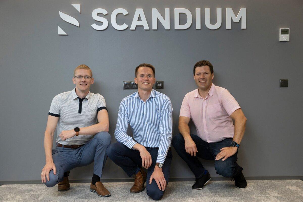 Partnerid Kalle Aron (vasakul), Maido Lüiste ja Jaak Roosaare