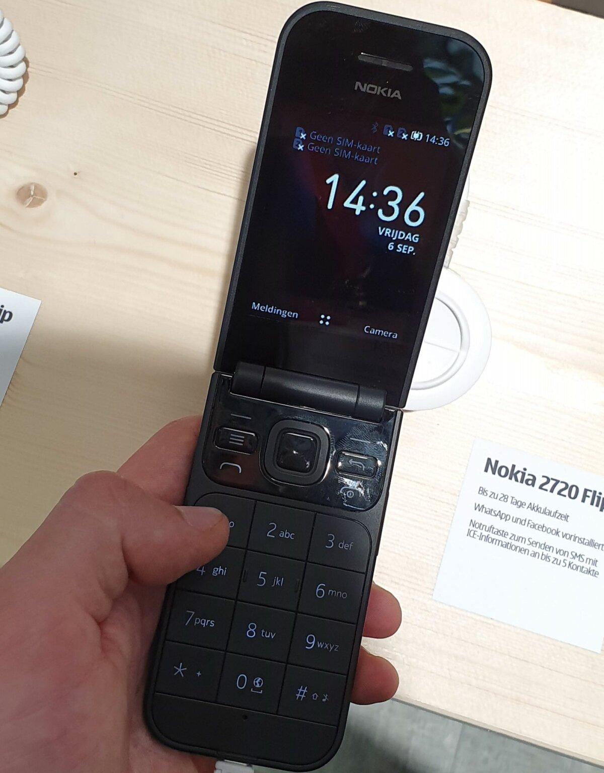 Nokia 2720 Flip on vana hea klapiga telefoni uusversioon