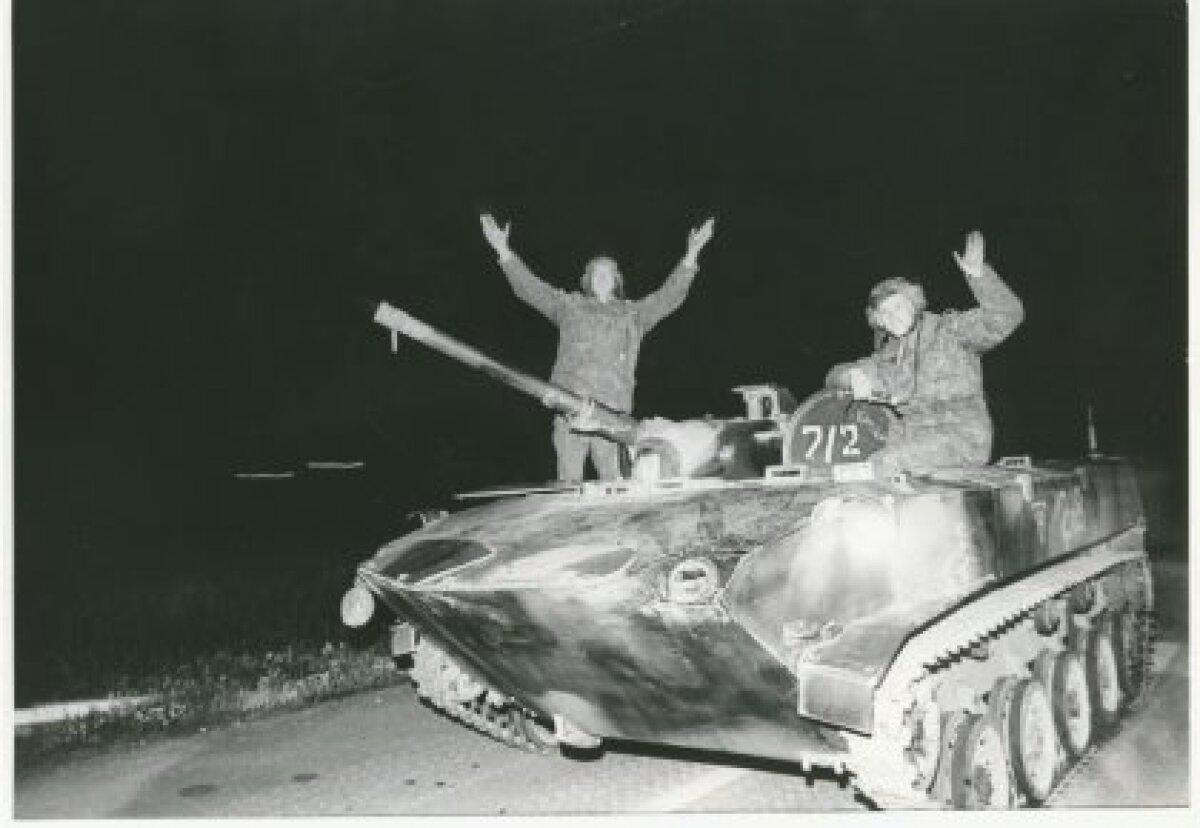 Sõjaväelaste lahkumine Tallinnast, 21.08.1991, Foto: T. Veermäe, EE Arhiiv