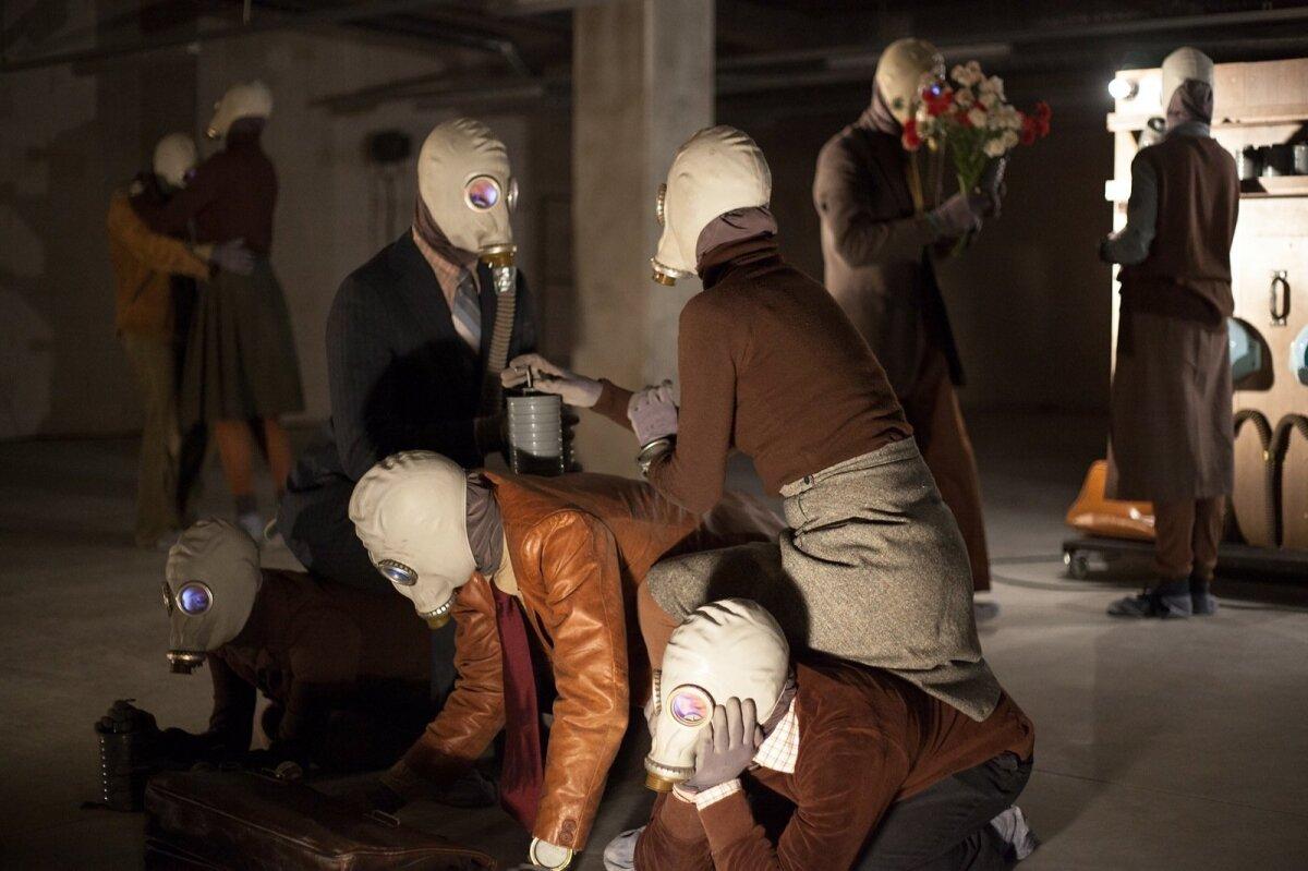 """IVAR PÕLLU """"1987"""": ERMi uue hoone hoidlas toimunud lavastus võitis Draama festivali publikupreemia ja lavastuse trupp sai Martell Cognaci poolt auhinnaks viiepäevase inspiratsiooni- ja puhkusereisi Prantsusmaale Martelli konjakimõisa."""