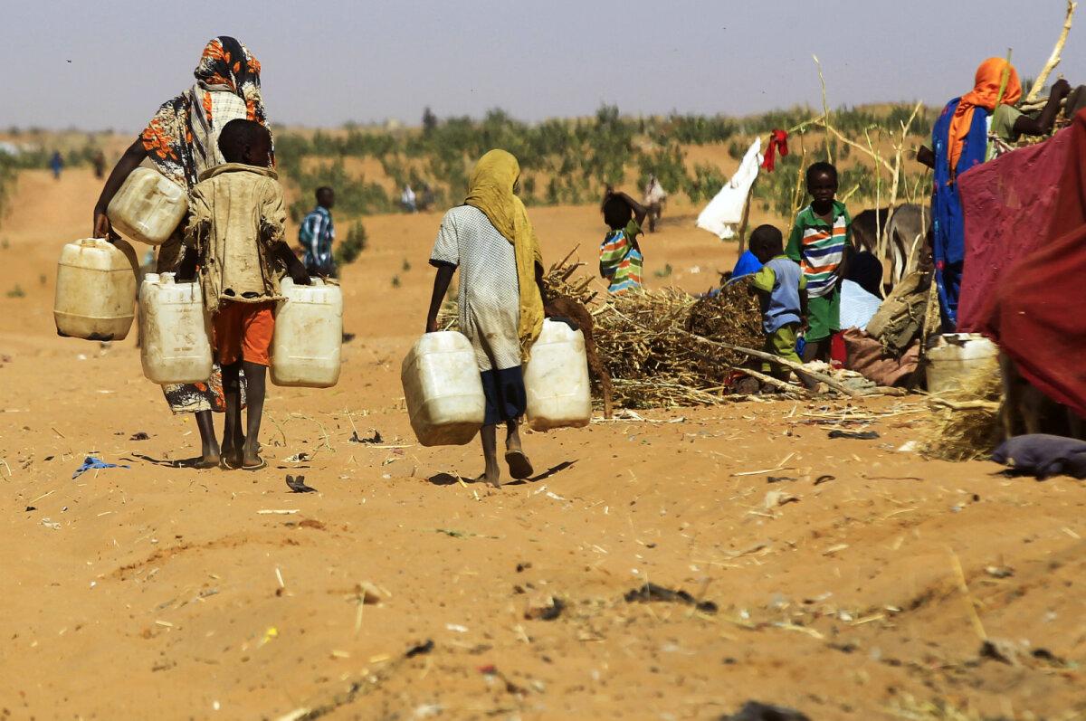 Sudaani sisepõgenikud, kes on pagenud Darfuri sõja tõttu.