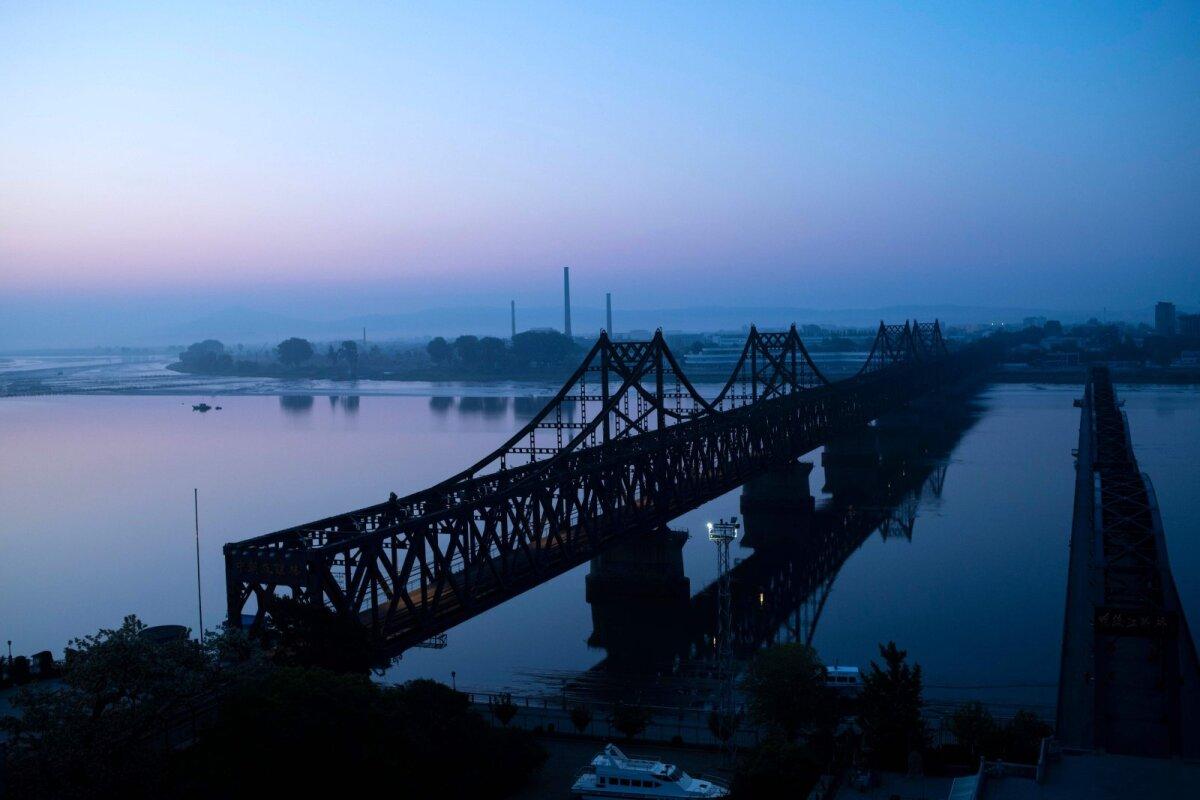 Nn Sõprussild Hiina Dandong ja Põhja-Korea Sinuiju vahel.