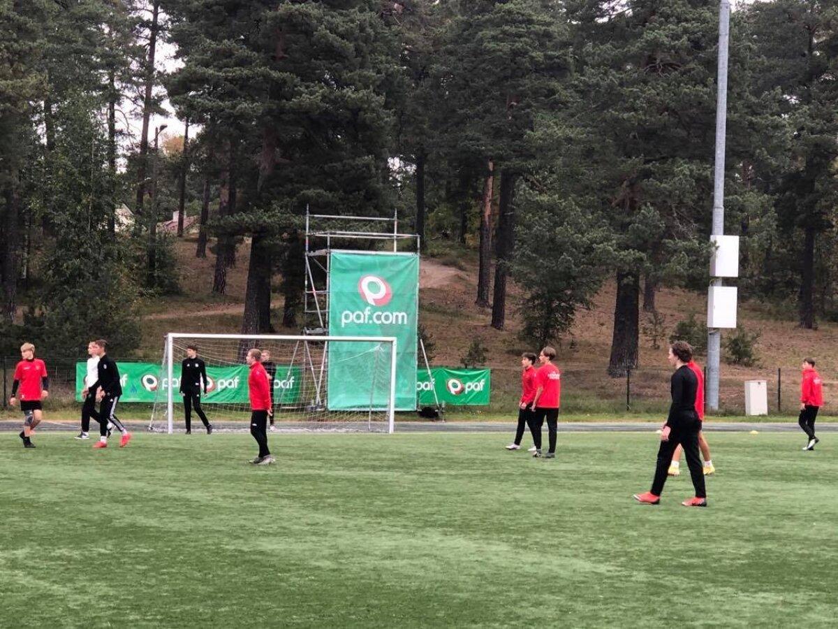 Kaheksandate - üheksandate klasside koondiste vaheline jalgpalliturniir Hiiu staadionil