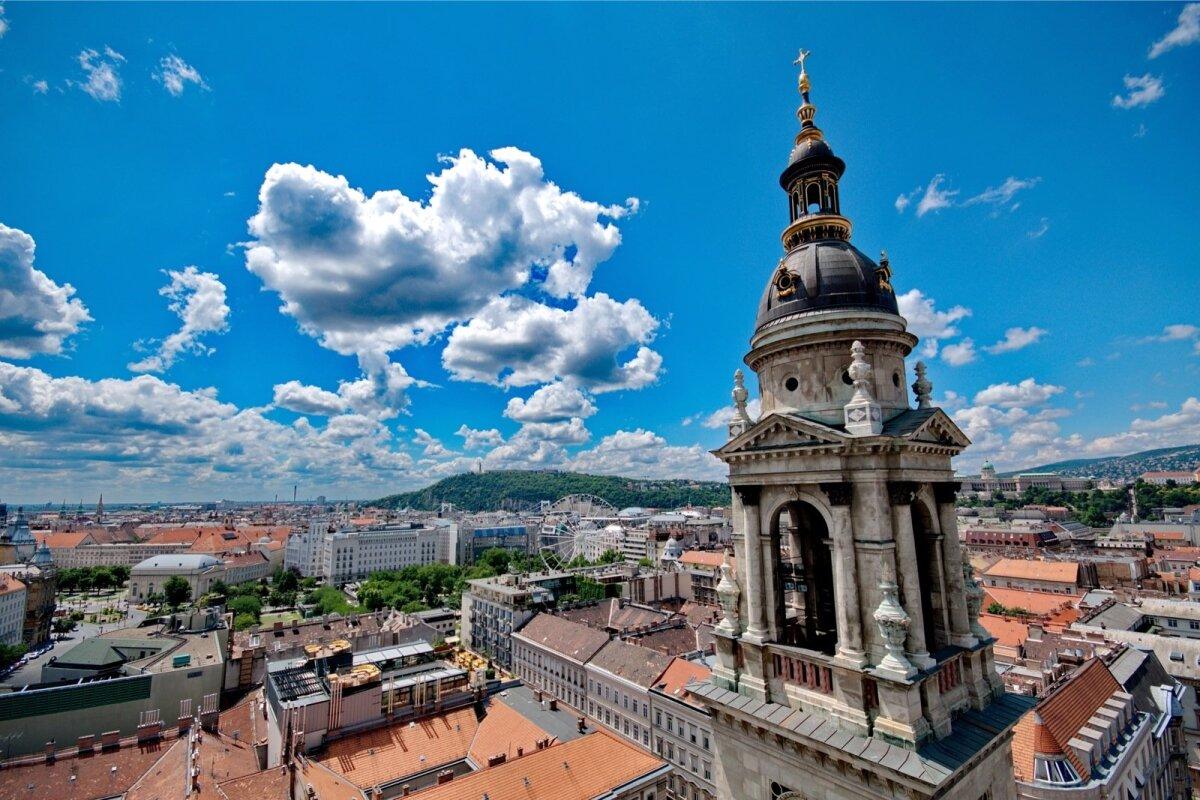Budapest – vaade St Stephani katedraalist.
