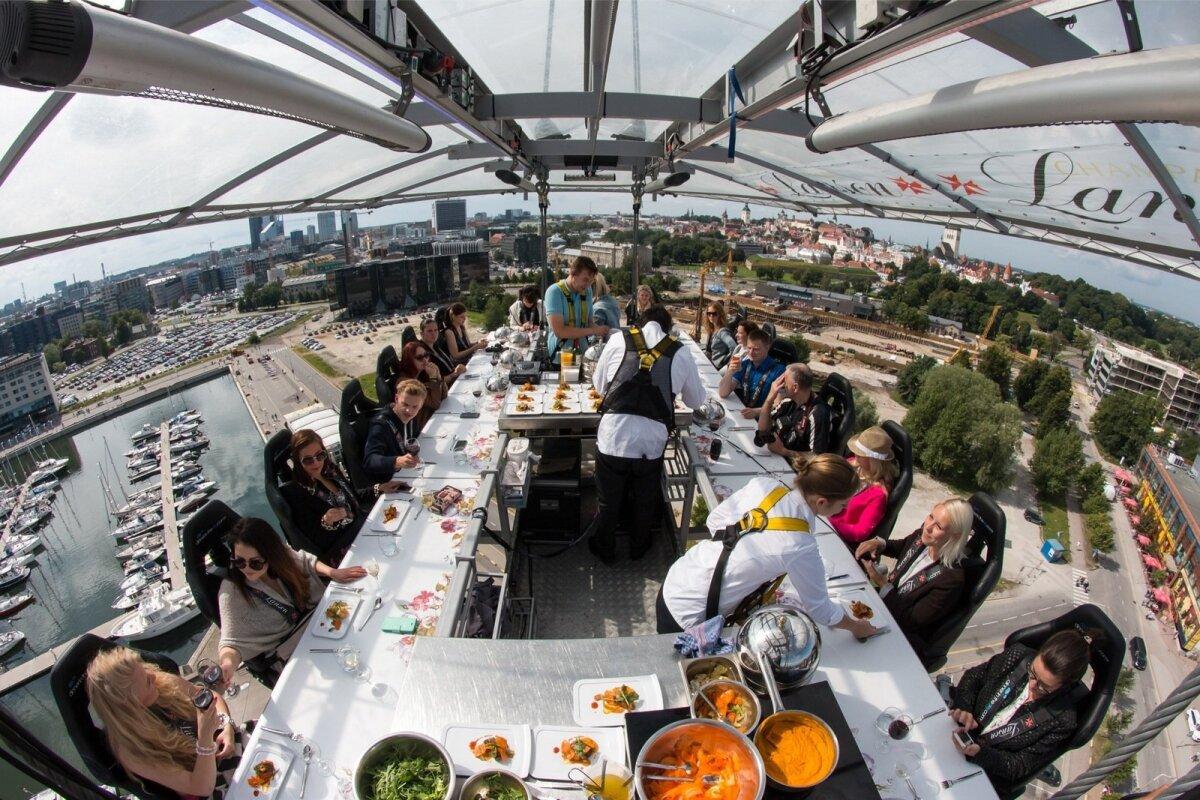 Dinner in the Sky 2017