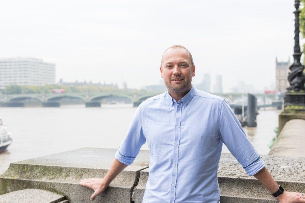 LONDONIS: Monese sündis Suurbritannias, sest seal on parem hüppelaud maailma. Väiksemas skaalas polegi mõtet mõelda, ütleb Norris Koppel.