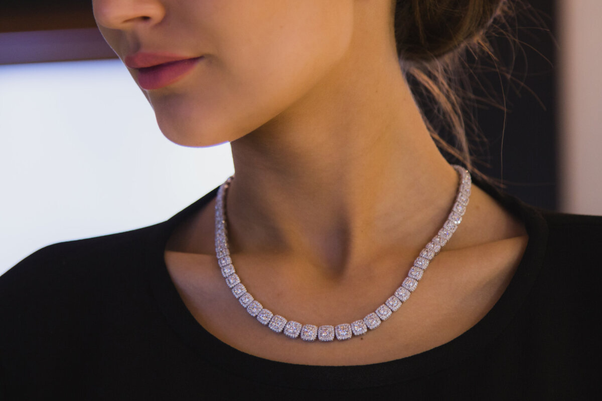 Колье: золото, бриллианты,  16 карат