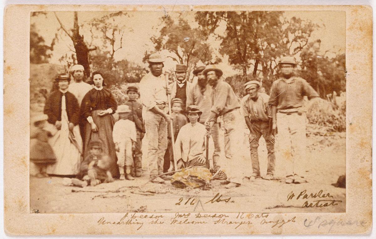 William Parkeri tehtud foto kullakamakast ja selle leidjatest 1869. aastal.