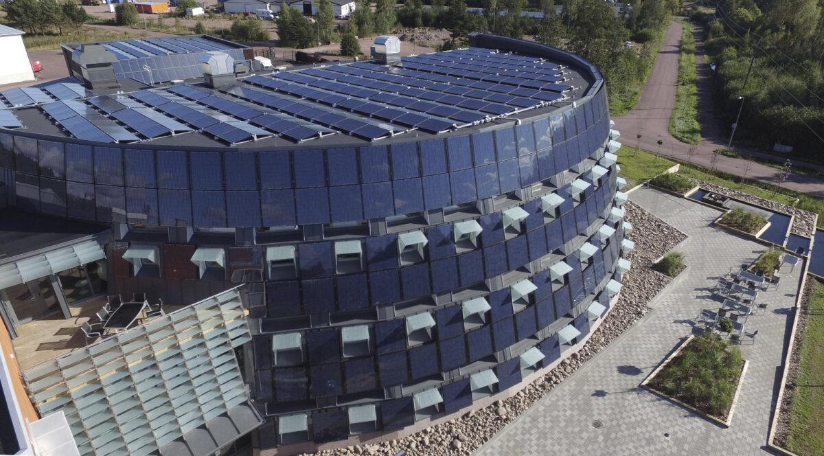 Maarianhamina, Soome. Pafi peamaja 724 päikesepaneeli kogupind on 1400 ruutmeetrit.
