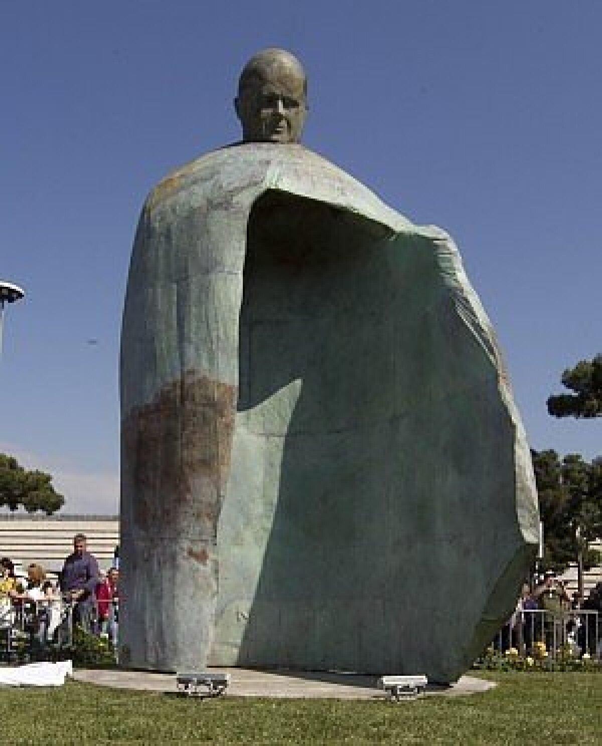Johannes Paulus II monument Roomas