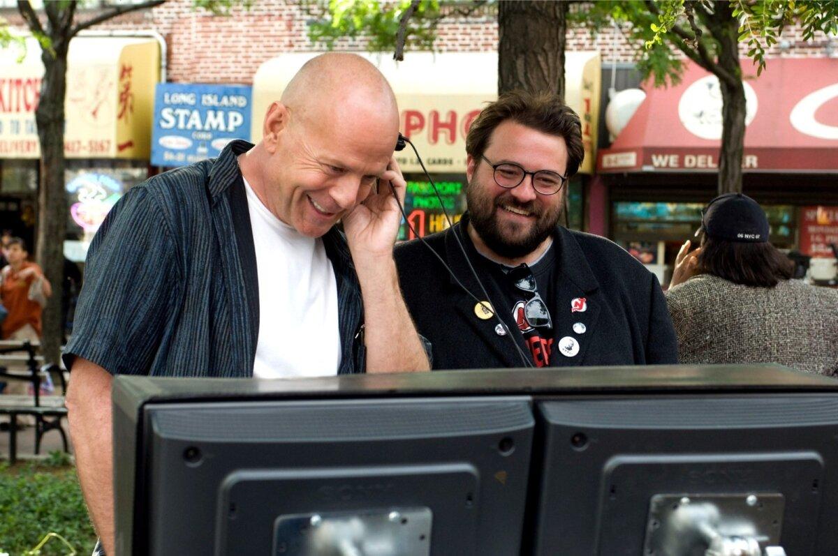Bruce Willis vs. Kev in Smith