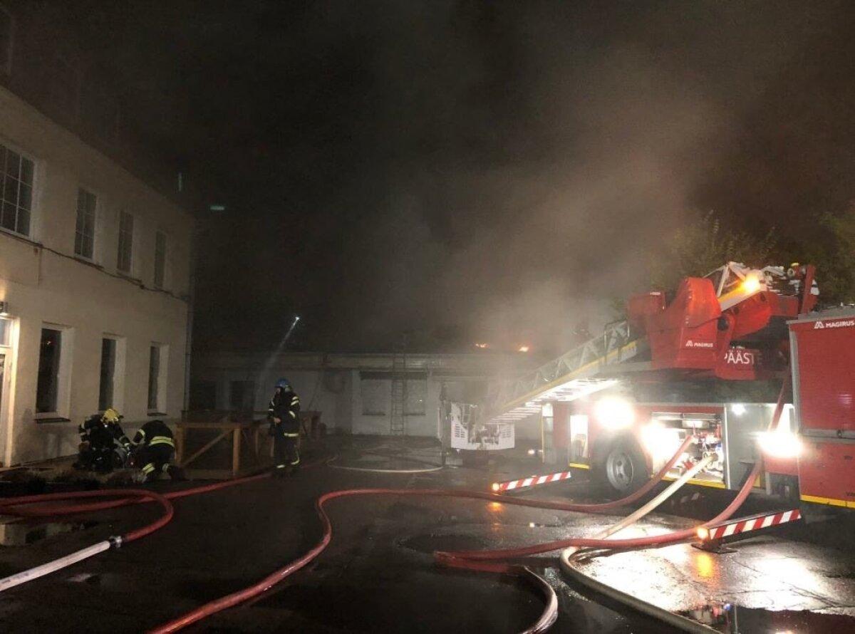 Tulekahju Tallinnas Telliskivi 3 asuvas Nobe majas.