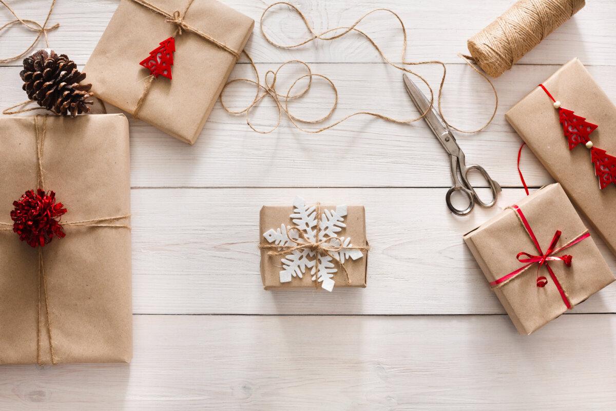 Takunööri, millega kingitust seotakse, saab samuti kaunistada.