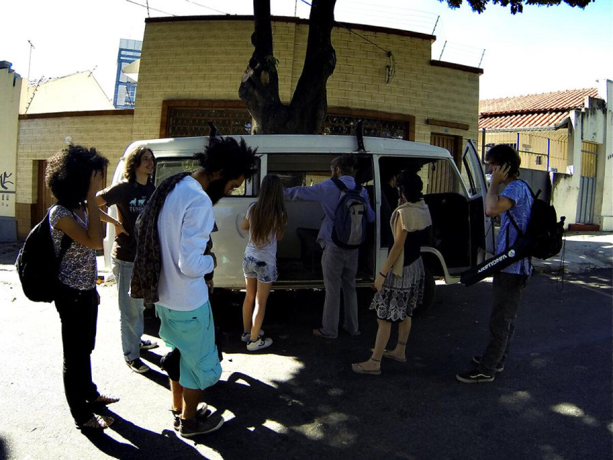 Volkswageni minibuss tuli meile järele.