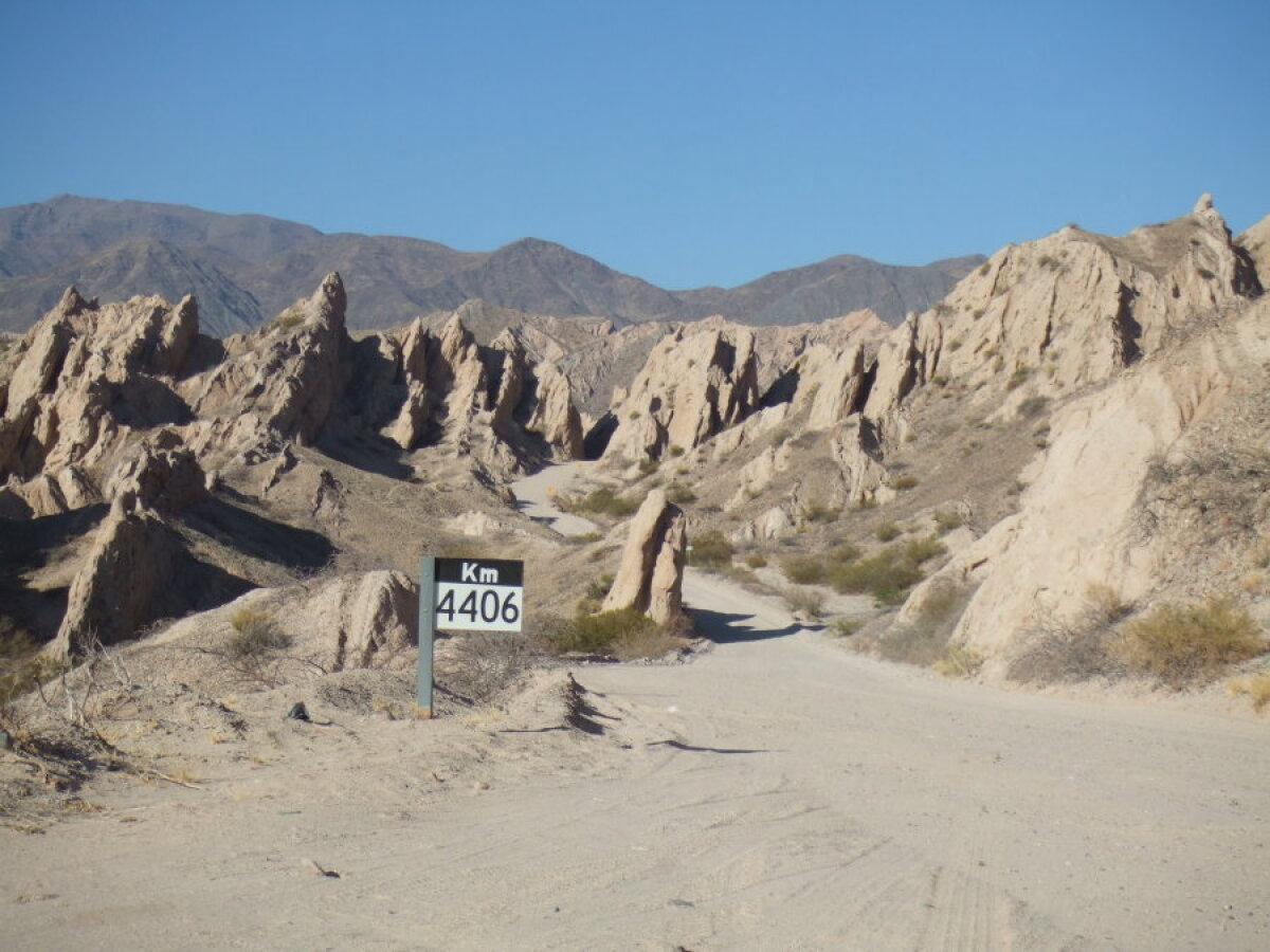 Ruta 40, 4406. kilomeeter.