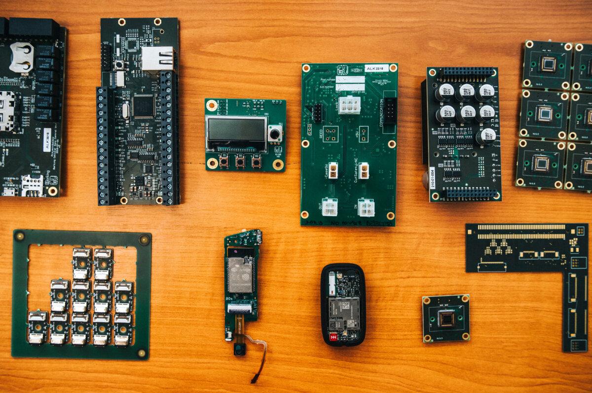 Uue aja elektroonikatootja aitab meie elektroonikaga meie suurnimesid Bikeepi ja Starship Technologiesi.