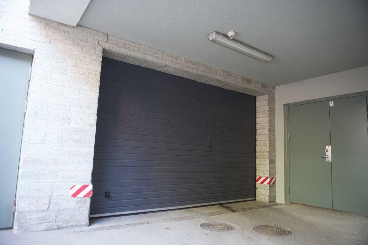 Kadrioru Kollane tänav 7 kortermaja langev garaažiuks