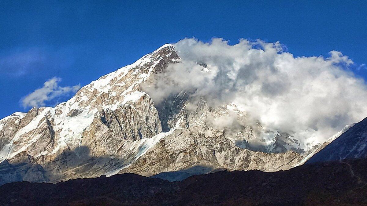 Katrin Merisalu teab, et võimalus Mount Everesti tippu pääseda on väike, sest koroona on palju jõudu röövinud. Aga proovimata jätta ta ei saa.