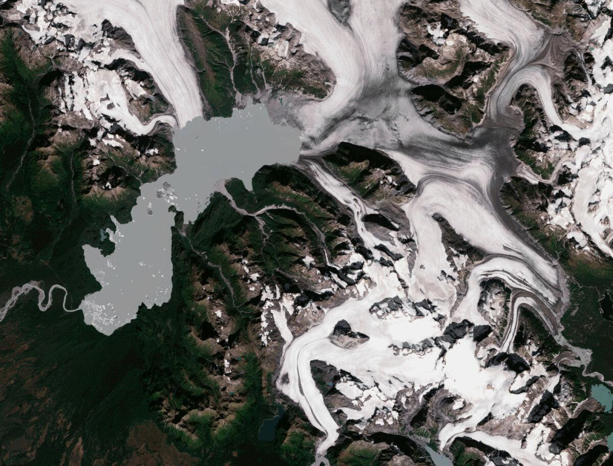 Yakutati liustik ja Harlequini järv