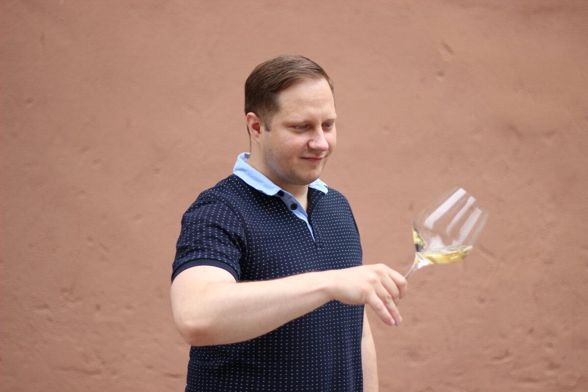 Maailmaränduriks kujunenud viinamarjast, selle marja ajaloost ja parimatest näidetest räägib stuudios tunnustatud sommeljee Marko Mägi.