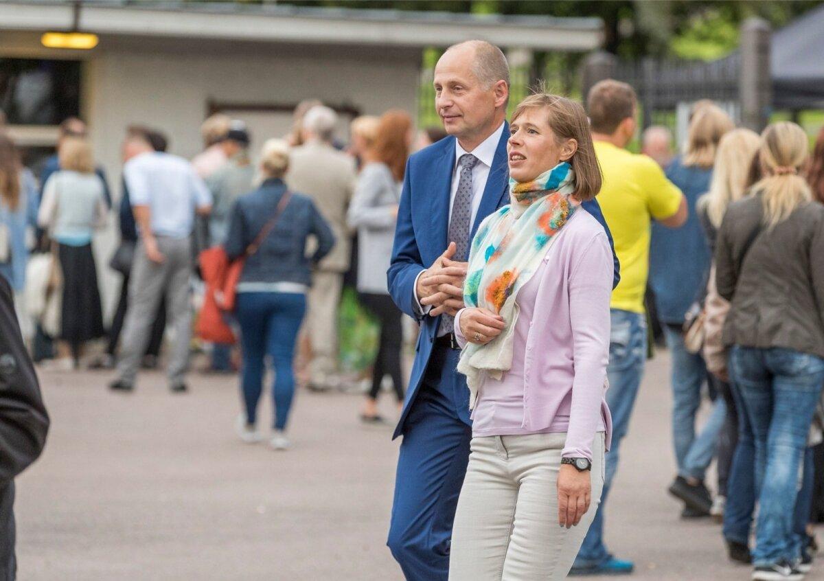 Traditsiooniliselt toimus 20.08.2017 õhtul Kadrioru lossi roosiaias Eesti Vabariigi iseseisvuse taastamise aastapäeva pidulik vastuvõtt, mille seekordseks võõrustajaks on esmakordselt president Kersti Kaljulaid.
