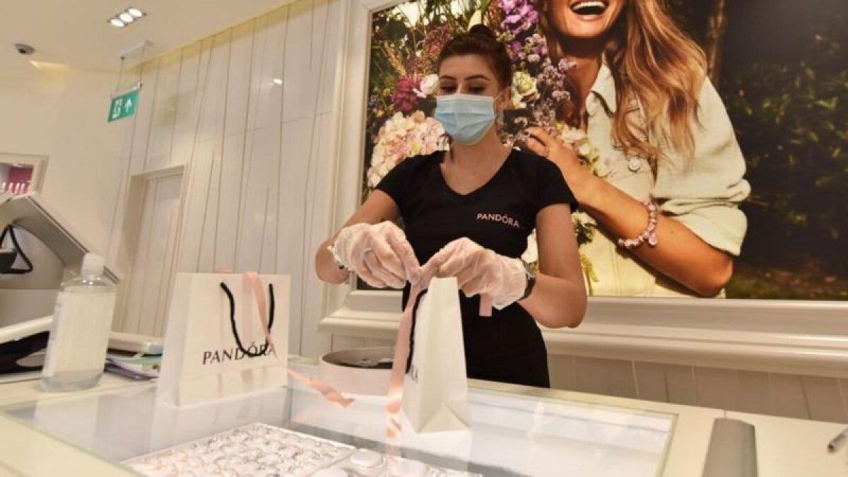 В Pandora рассчитывают, что переход на искусственные бриллианты повысит продажи компании, сократив при этом издержки на производство и закупку природных алмазов