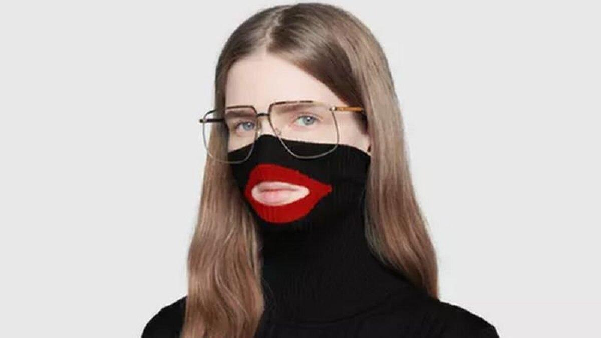 """Выпущенный брендом Gucci свитер раскритиковали за то, что он напоминает """"блэкфейс"""" - чёрный грим белых актёров, изображавших афроамериканцев"""
