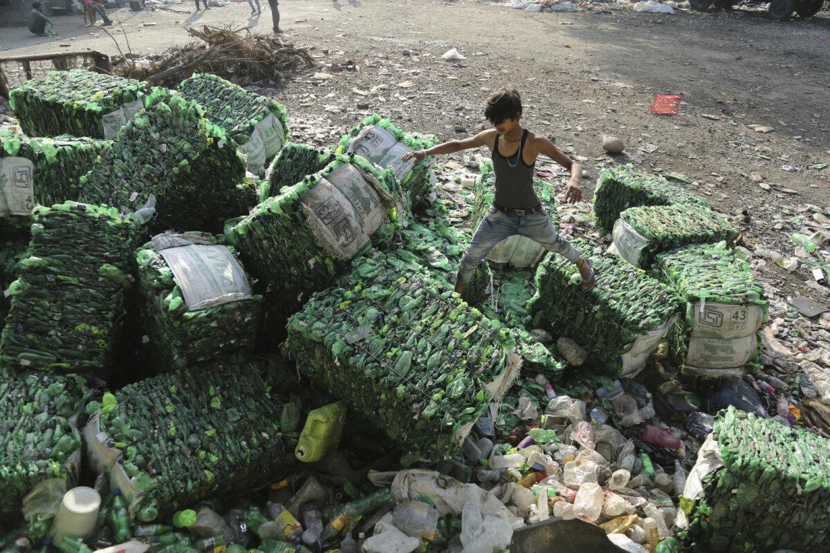 Plastiku koristustalgud Indias