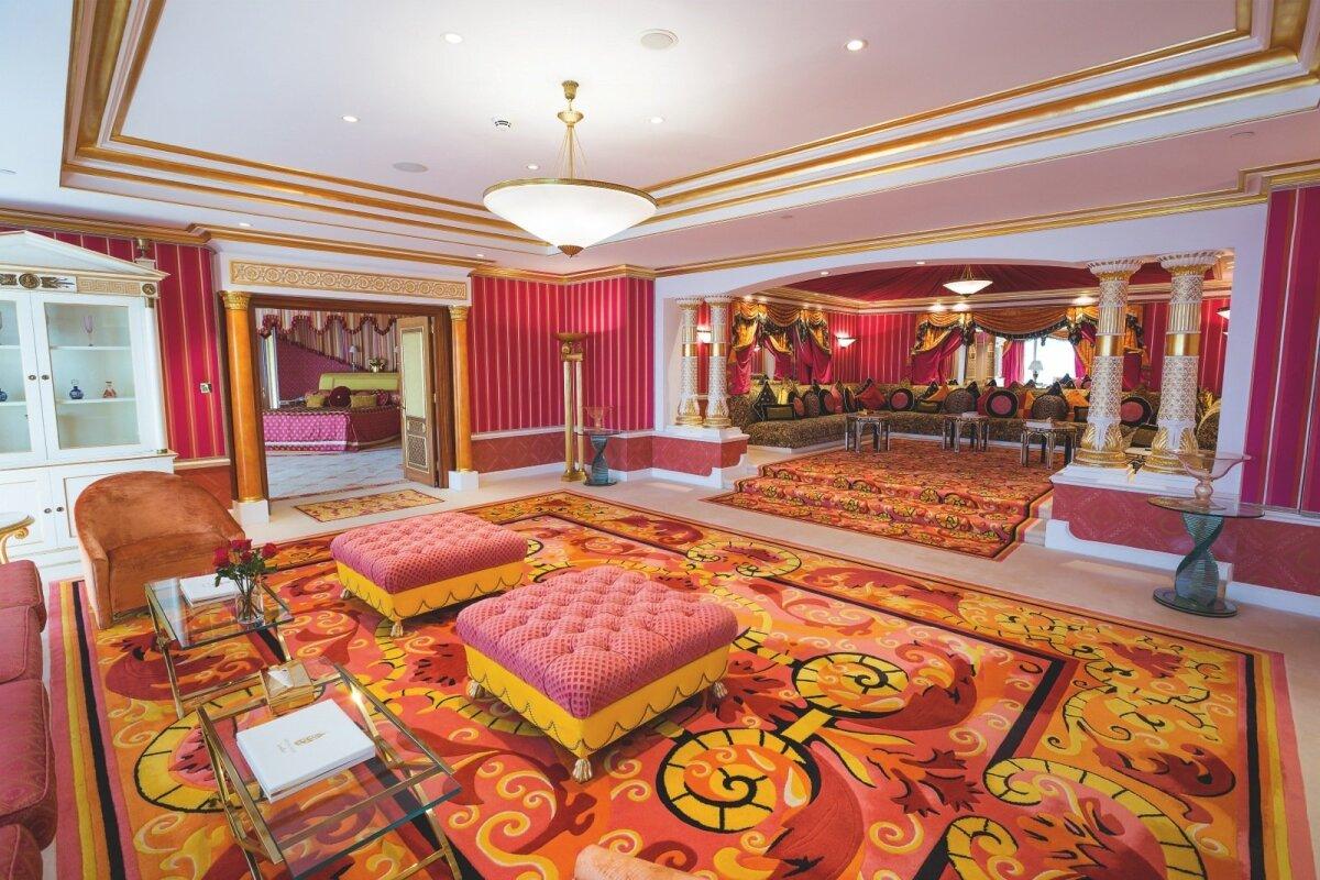 Seitsmetärnine Burj Al Arabi hotelli kuninglik sviit. Viis tärni on säärase luksuse eest ilmselgelt vähe.