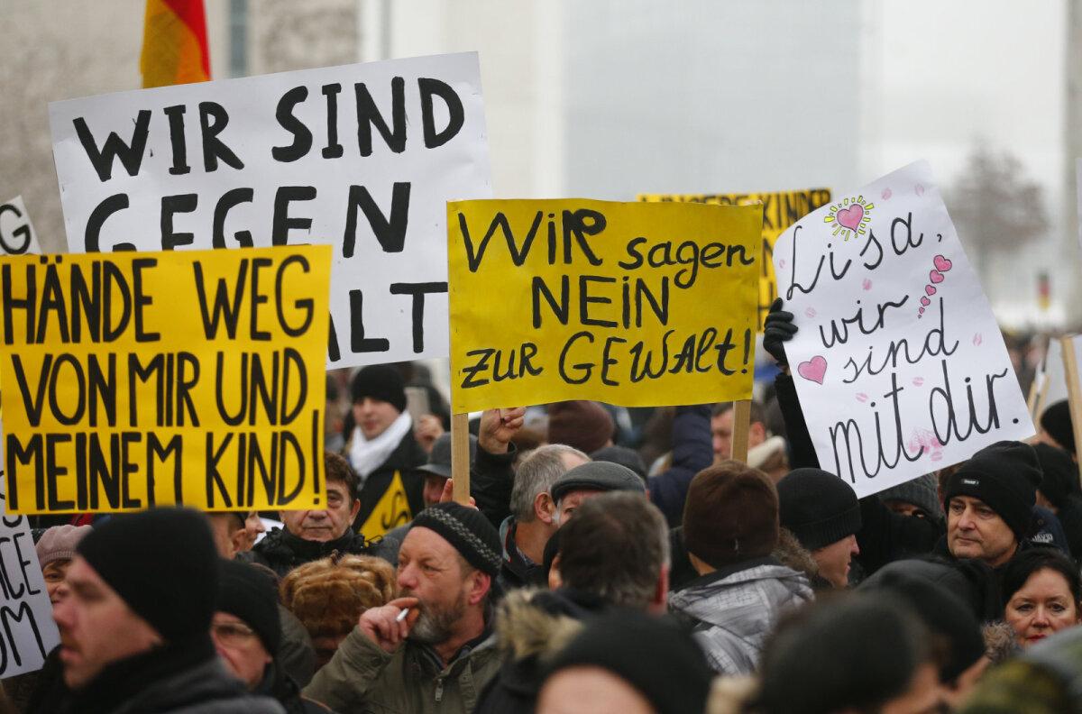 Valeväitest ärritunud meeleavaldajad 2016. aasta jaanuaris Berliinis