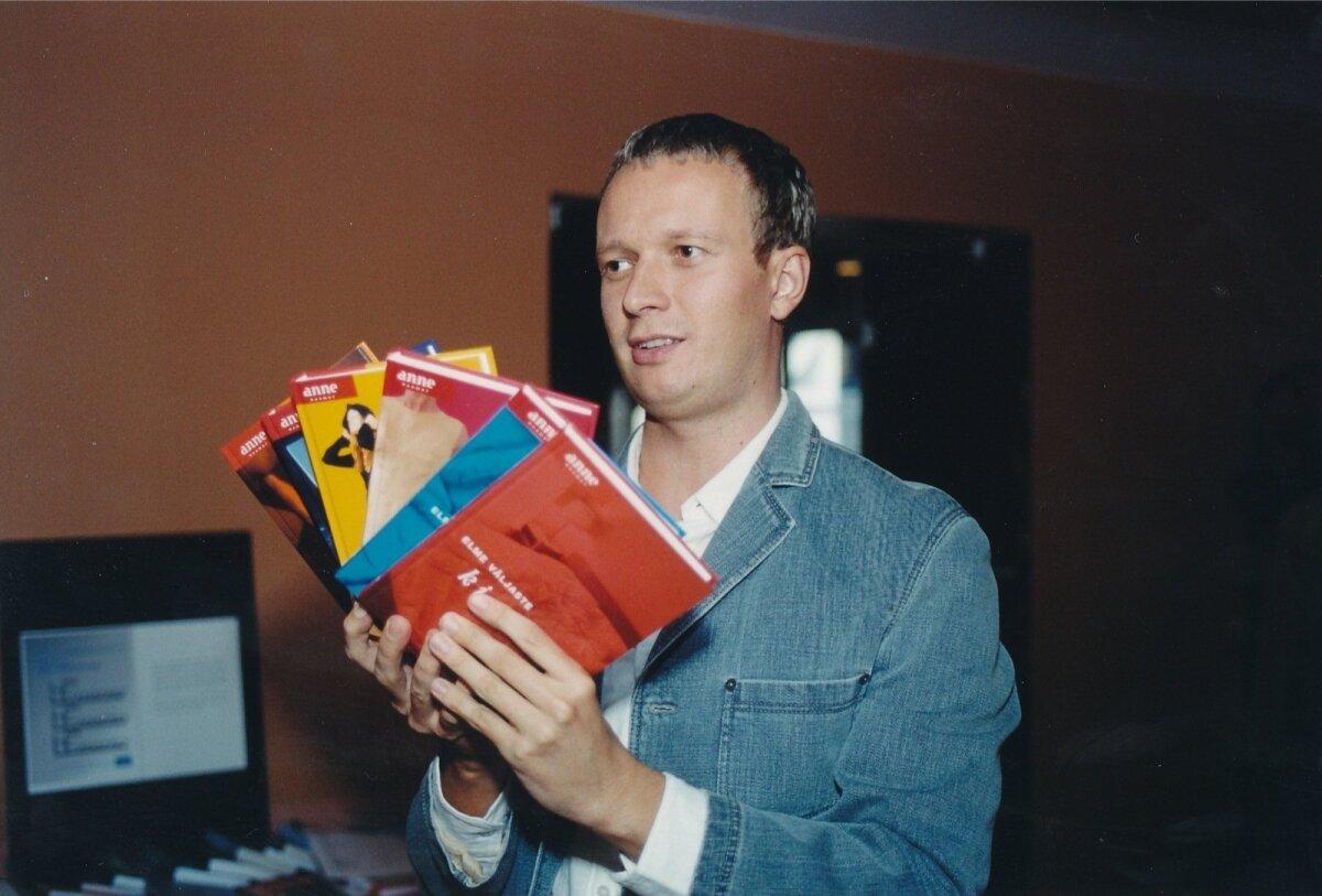 Kirjastus Tänapäeva neljas sünnipäev Rahvusraamatukogus 2003 a