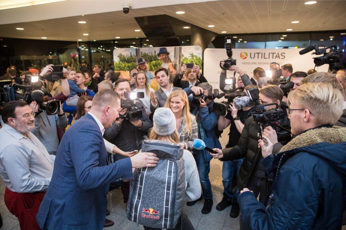 Kogu Eesti meedia tahab saada MM-ilt ja X-Mängudelt medalisülemiga koju jõudnud Kelly Sildarust tükikest.