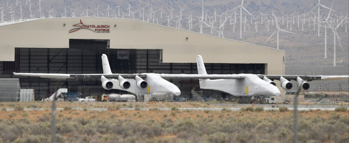 Paul Allen's Stratolaunch carrier makes it's first appearance out of it's hanger on Wednesday