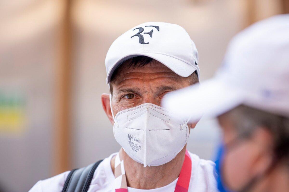 EOK president Urmas Sõõrumaa oli olümpiakülas, peas Roger Federeri firmamärgiga müts. Ikkagi tennisemees!