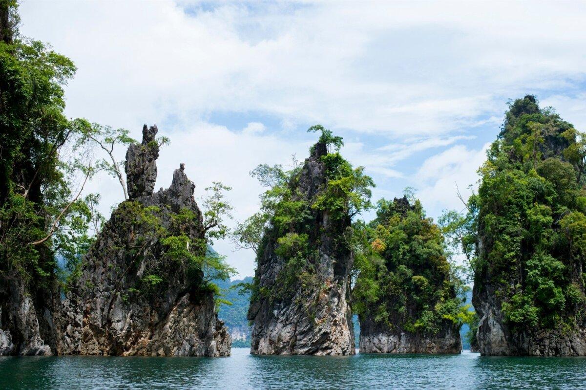 Hiinas asuva Guilini kuulsate mägede järgi on Khao Sokis ka paik, mille hellitusnimi on Väike Guilin.
