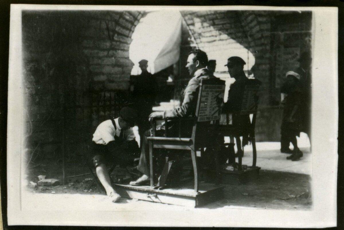 Tallinn. Saapapuhastajad Viruvärva juures., 1920-1930