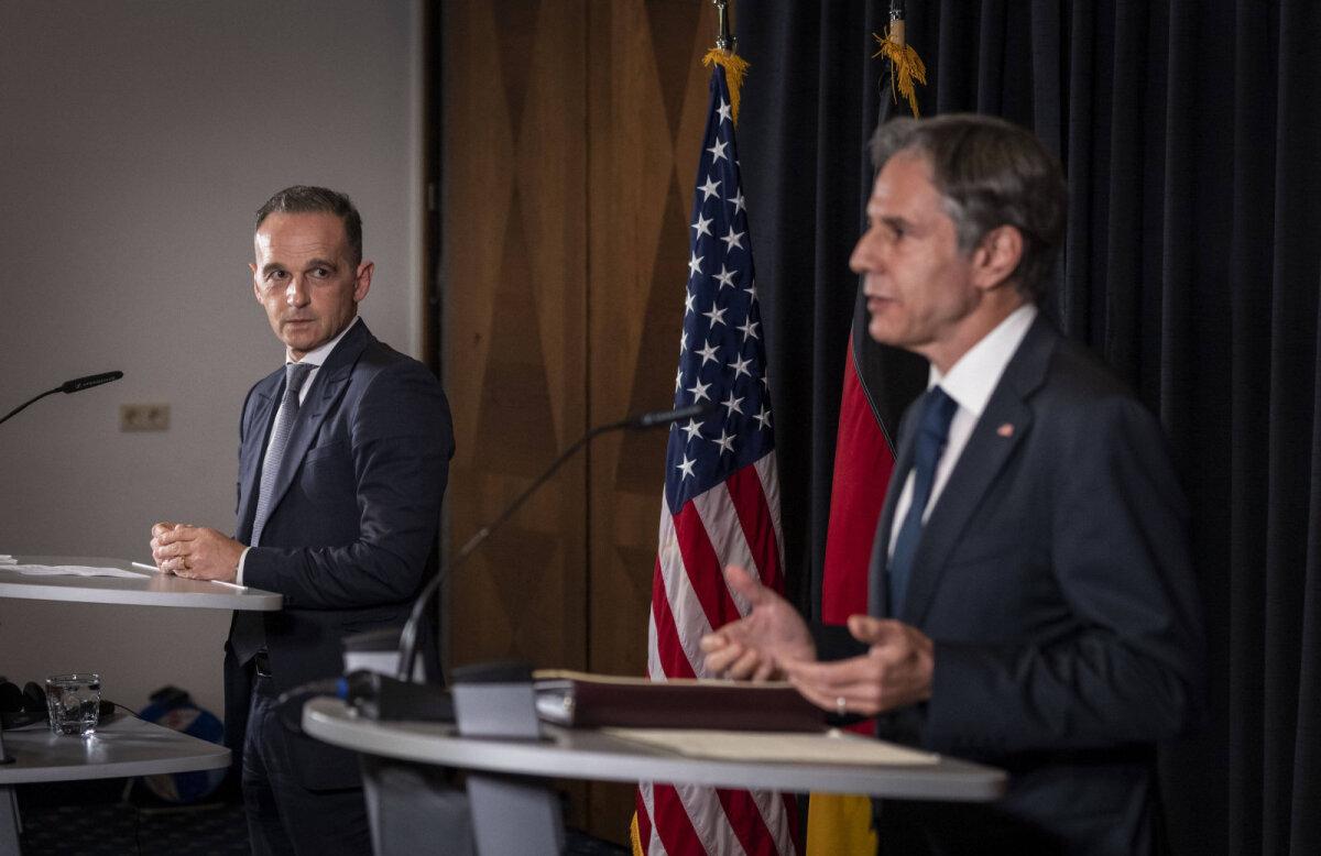 Saksa väliminister heiko Maas ja tema USA ametivend Anthony Blinken eile Saksamaal Ramsteinis.