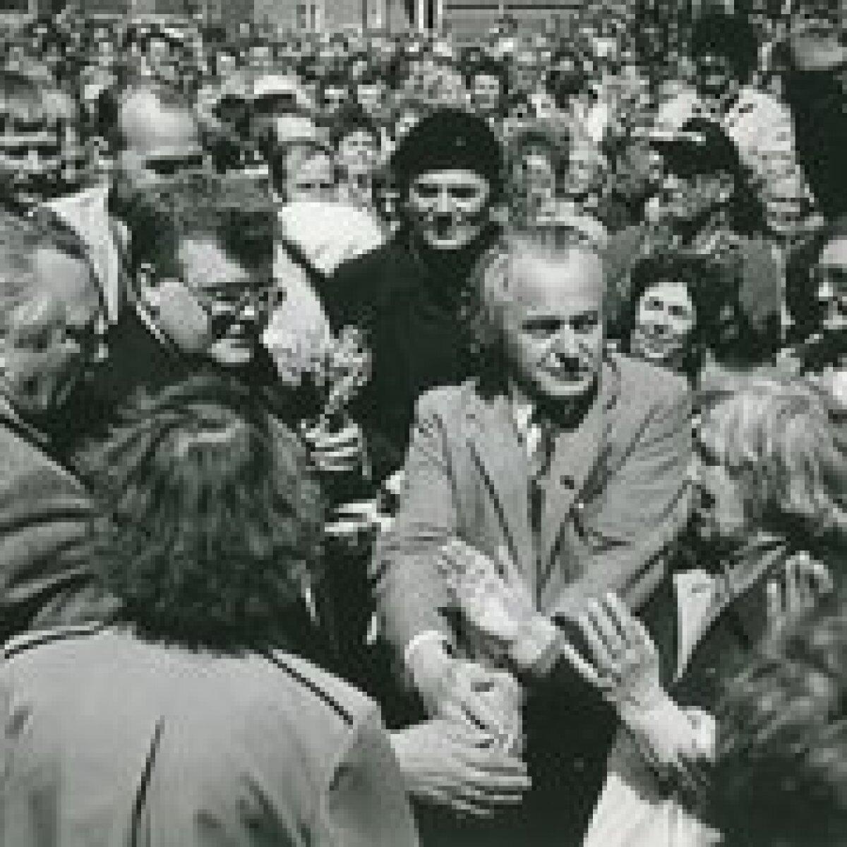 Edgar Savisaar Toompeal, 19 juuni 1991, Foto: Endel Tammepõld, EE Arhiiv