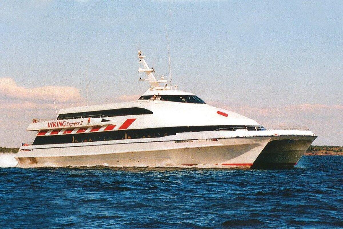 Viking Express II liikles 10.04-09.12.1995 ja 06.05-30.09.1996, 296 reisijakohaga kiirkatamaraan
