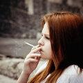 Lapsevanem palub nõu: mu 13aastane tütar on hakanud suitsetama ja ta isegi ei ürita seda enam minu eest varjata