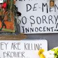 LEIN TÄNAVAL: Lihtsad inglased ei saa aru, kuidas võib politsei tappa vaid välimuse järgi otsustades. AFP