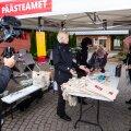"""Tallinn, 04.10.2020.Päästeamet kutsus inimesi üle terve Eesti koduseid kriisivarusid hankima: """"varu enne maru!"""" Sündmus toimus Nõmme turul."""