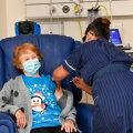 VIDEO | Suurbritannias sai esimesena koroonavaktsiini süsti 90-aastane naine Coventrys
