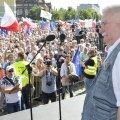 Lech Wałęsa ühines protestidega ja kutsus poolakaid üles demokraatiat kaitsma