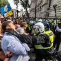 Peale Prantsusmaa avaldati nädalavahetusel koroonapiirangute vastu meelt ka Londoni kesklinnas.